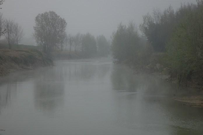 nebbia sul fiume Elsa