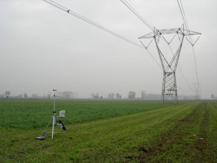 misure meteo sotto un elettrodotto