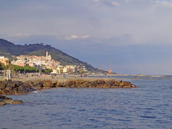 Cervo e il mar Ligure