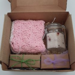 Luxury soap gift set - Handmade natural soaps, bath salts and a wash cloth