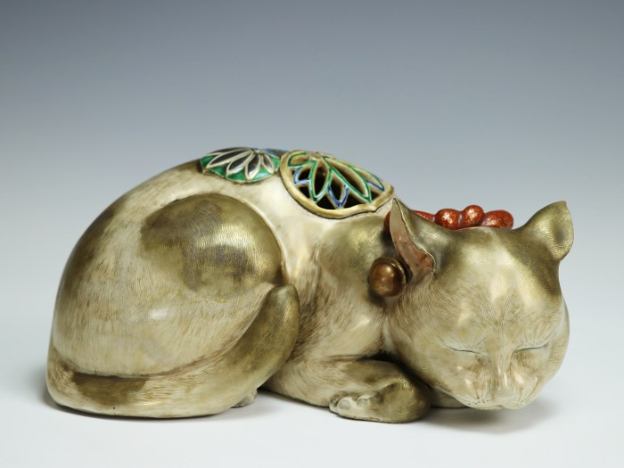 京焼 眠り猫 香炉/Incense burner shaped sleeping cat