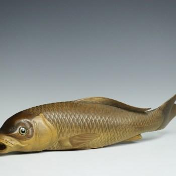 黄楊 木彫鯉置物