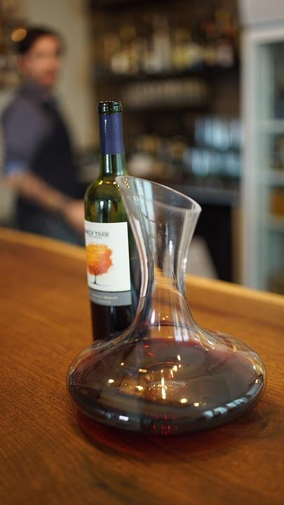 Cuándo decantar un vino
