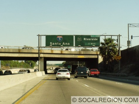 1960's signage, now gone, at Beach Blvd heading southbound. This was the last old sign bridge in Orange County on I-5 until a few years ago.