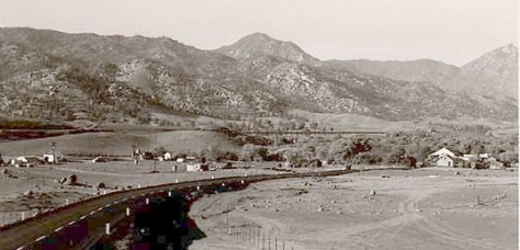 1940's approach to old Isabella. The small hill at center is today's Engineer's Point.