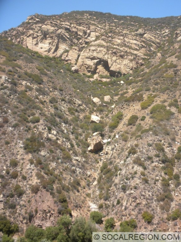 Large rockslide visible near one of the scenic turnouts.