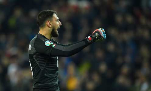 Transfer Rumours: Donnarumma to Replace De Gea, Hayden to West Ham, Dortmund Eye Up Mandzukic & More