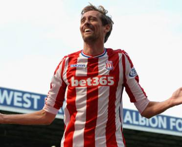 Peter Crouch Announces Retirement From Football at the Age of 38