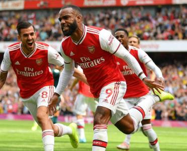 Alexandre Lacazette Warns Premier League Rivals His Best Form Is Yet to Come