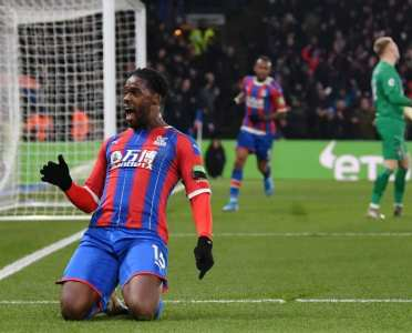 Crystal Palace 1-0 Bournemouth: Report, Ratings & Reaction as Schlupp Seals Win for 10-Man Eagles