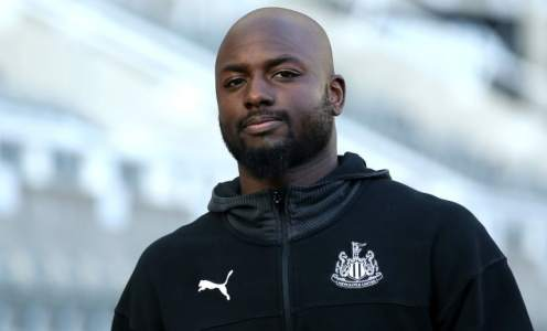 Jetro Willems 'Will 100% Return' to Newcastle After Injury Cuts Loan Spell Short