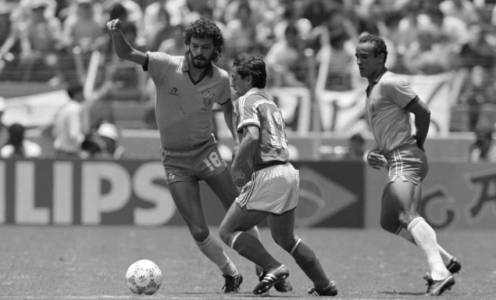 4 of the Best Moments of Sócrates Career