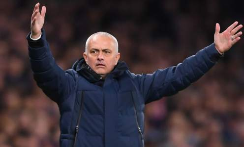 Jose Mourinho Rules Out Spending Spree to 'Overhaul' Tottenham's Squad This Summer