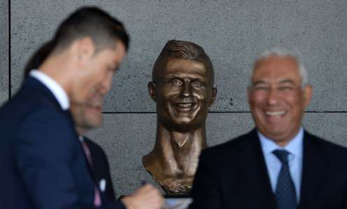 On This Day in Football History – March 29: Ronaldo's Horror Statue, Derby Relegation & More