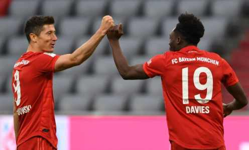 Alphonso Davies Reveals That Robert Lewandowski Has the World's Laziest Nickname
