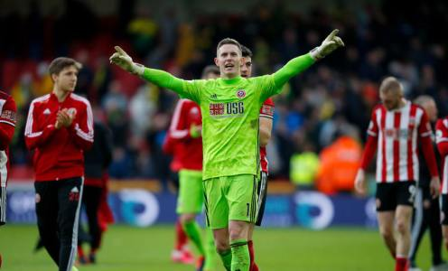 Dean Henderson Linked With Chelsea Move in 'Transfer Tug of War'