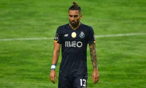 Manchester United 'Make First Bid' for Porto's Alex Telles