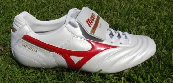 Mizuno Morelia soccer cleat