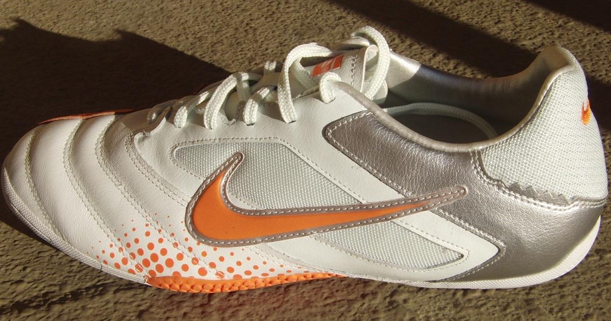 6ecc6f04279 Nike5 Elastico Pro Indoor Shoe Review