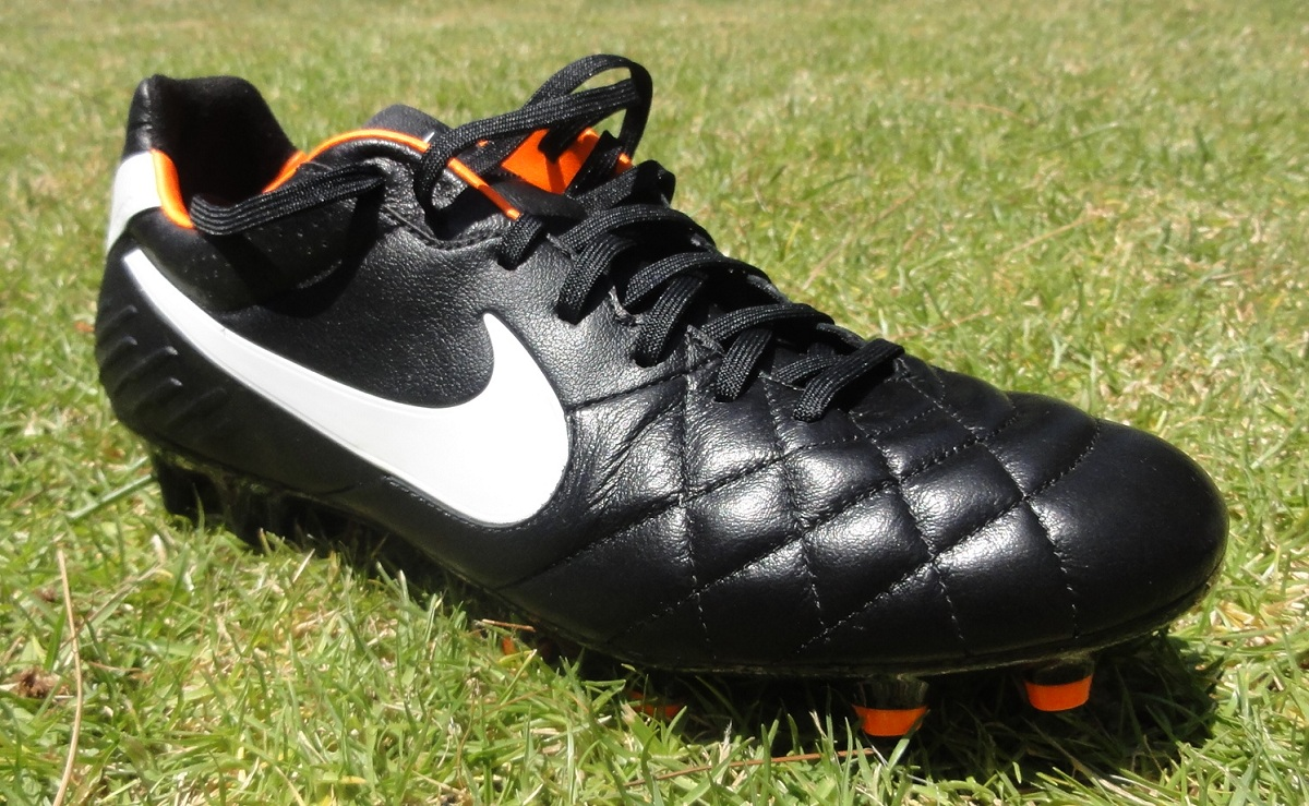 nike tiempo legend iv review soccer cleats 101. Black Bedroom Furniture Sets. Home Design Ideas