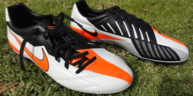 Nike T90 Strike