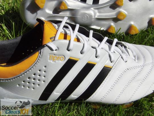 Adidas 11Pro SL Detailing