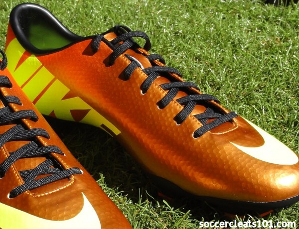 Nike Victory IV Soccer Cleats