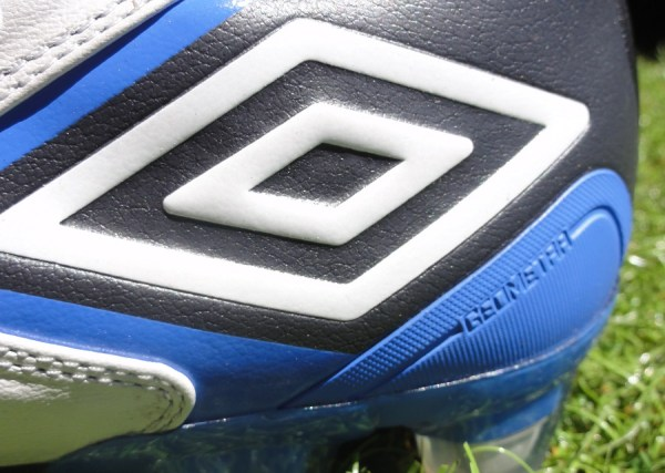 quality design c233e 7bd78 Umbro Logo on the Geometra II
