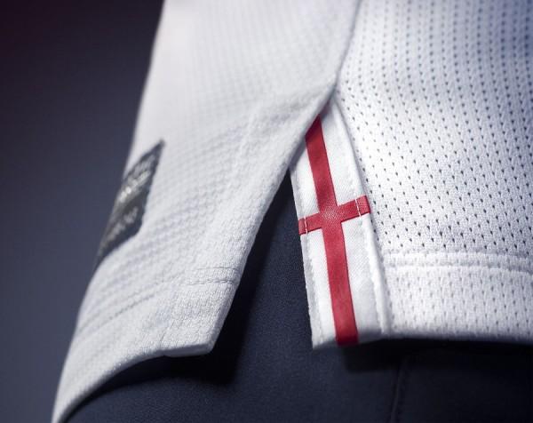 Nike England Cross