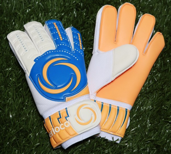 SoccerLoco Gloves
