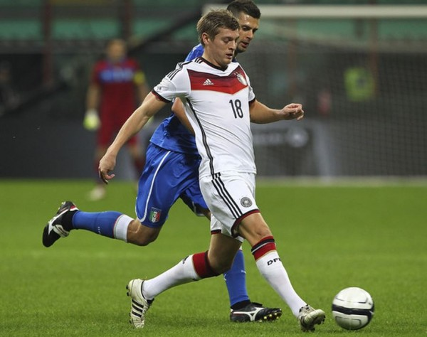 Toni Kroos Adidas adiPure IV | Players + Their Boots