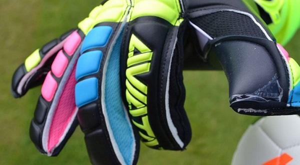 New  Aviata Stretta Light Bright Blackout Goalkeeper Glove