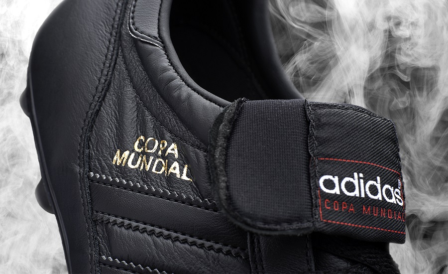 buy online 93da4 006bb Copa Mundial Blackout Detailing