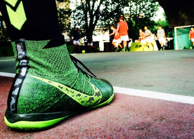 Elastico Finale on Court