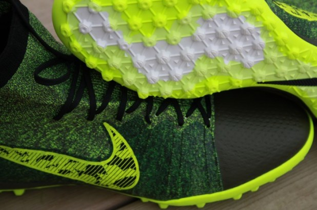 Nike Elastico Superfly TF Closeup Sole