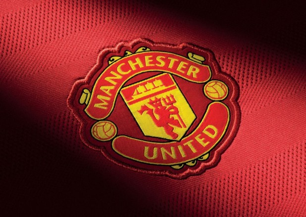 MUFC Badge Home Kit