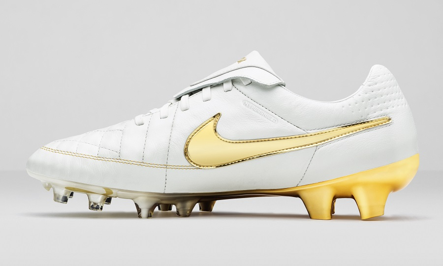 "Nike Tiempo Ronaldinho Returns – ""Touch of Gold"""