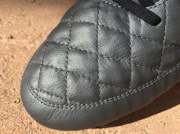 Leather Upper Nike Tiempo Legend V