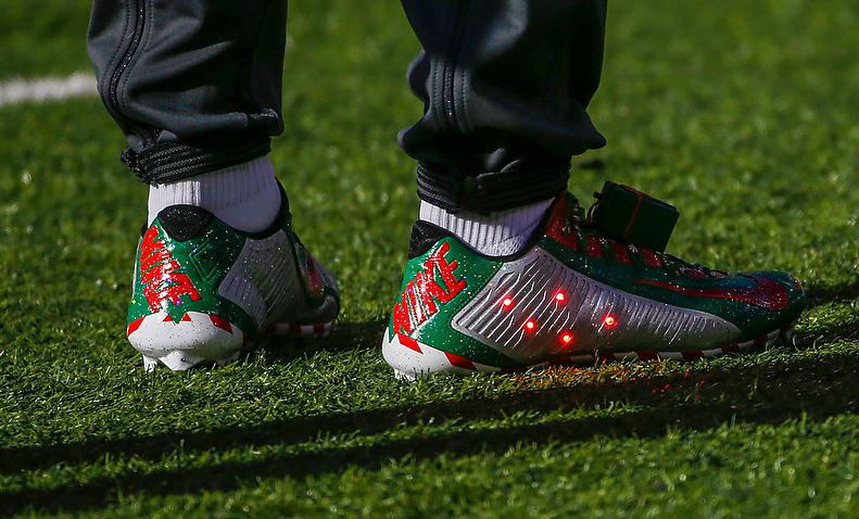 Odell Beckham Jr's Festive Pre-Game Christmas Cleats – Soccer ...