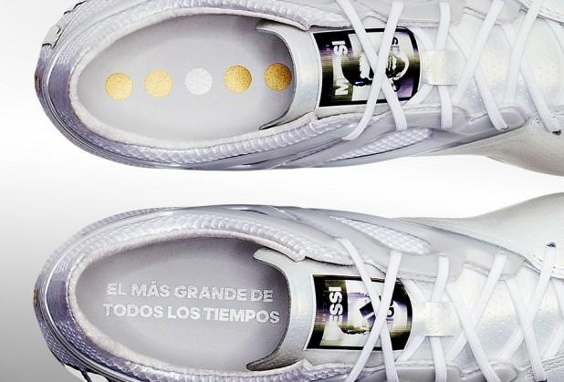 Messi15 Platinum Detailing