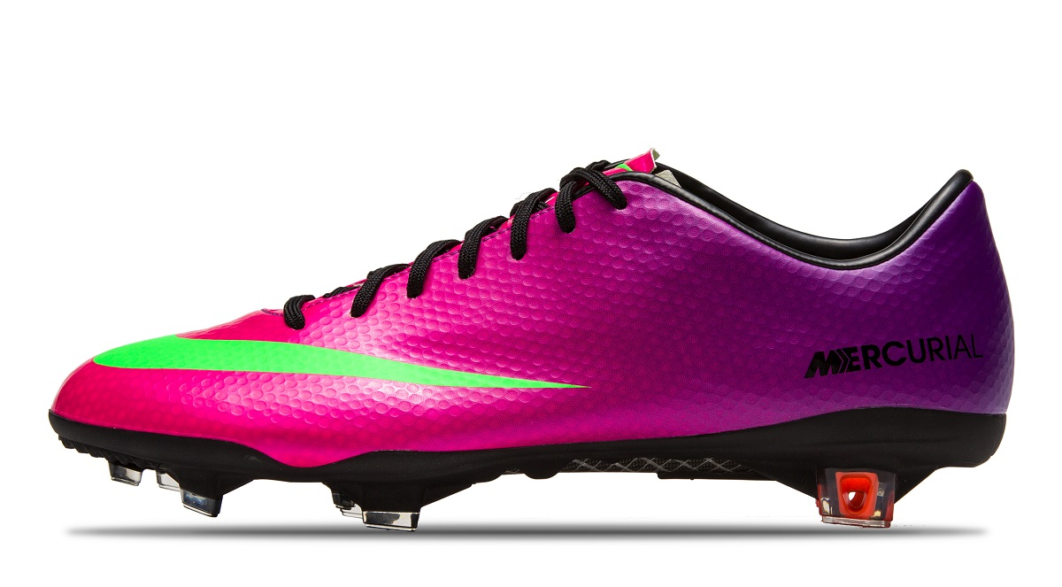 Boot  Mercurial Vapor IX Significance  Scores 2 goals while debuting the  latest Vapor release in Jan 2013. 7050dc728