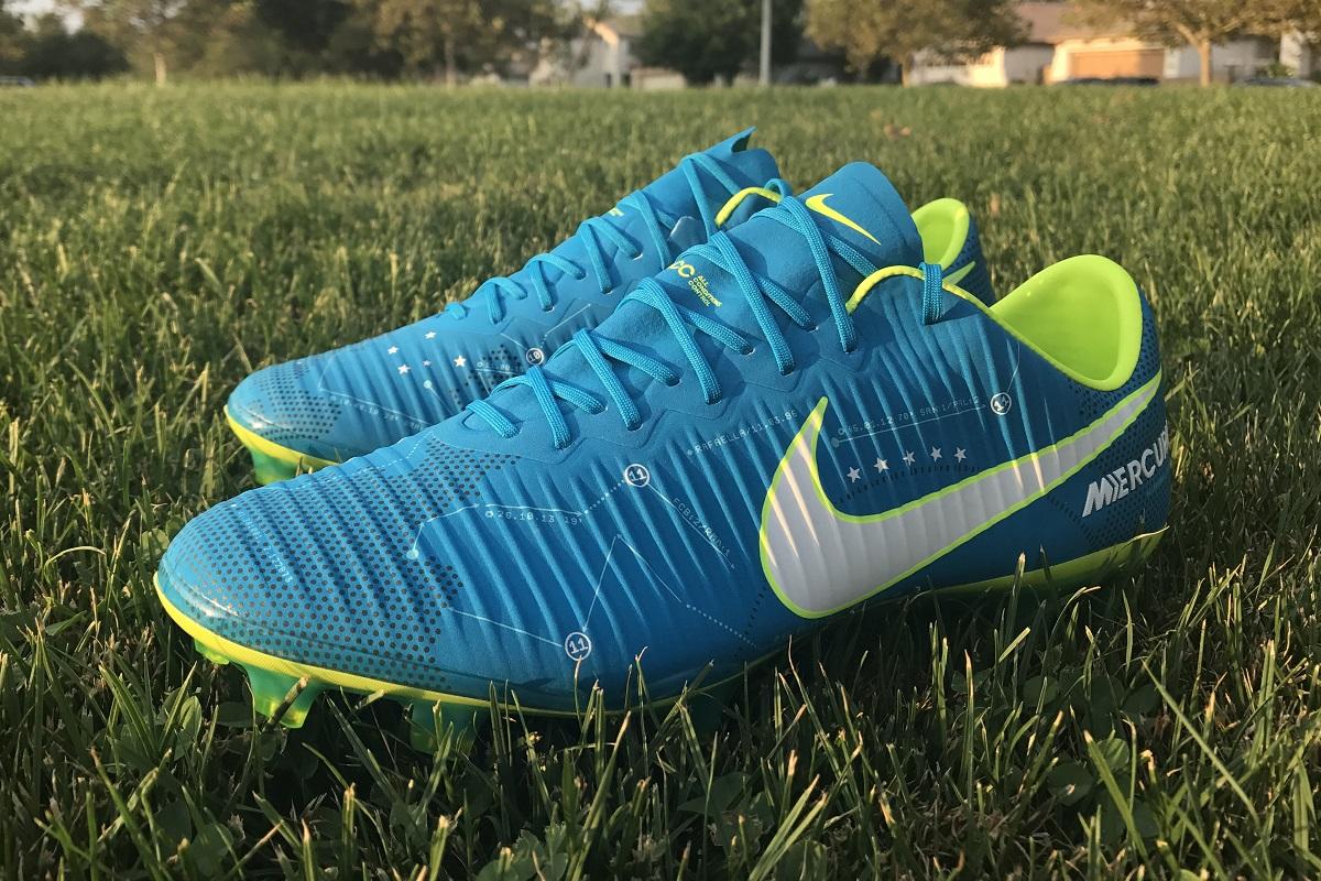 wholesale dealer a7c3e 4626d Neymar Nike Vapor XI