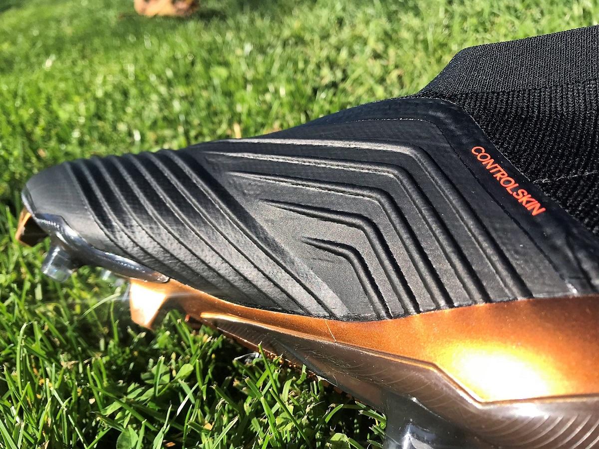 Adidas Predator Control Skin Master Control Soccer shoes