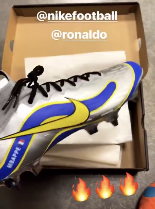 Mbappe Sneak Peek Mercurial Superfly R9