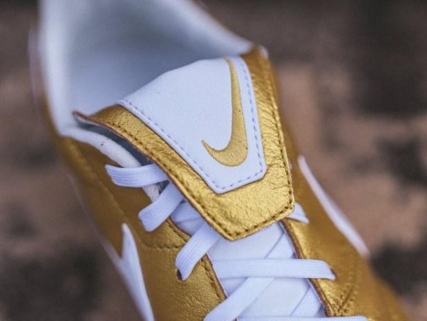 Nike Premier Iconic Tongue