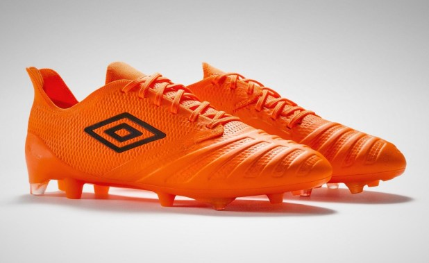 Umbro UX Accuro 3