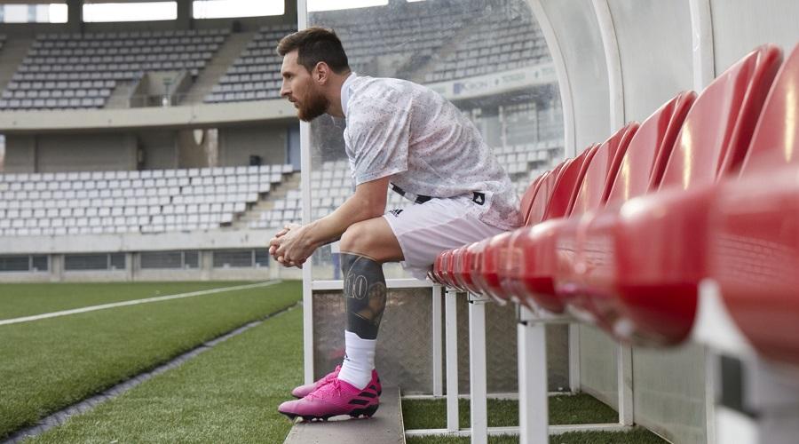 rivivere allarme si  Messi Jumps Into New Nemeziz 19.1 | Soccer Cleats 101