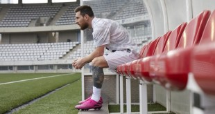 Leo Messi in Pink Nemeziz