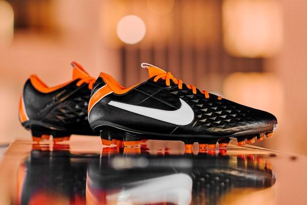 Nike Tiempo Legend Future DNA