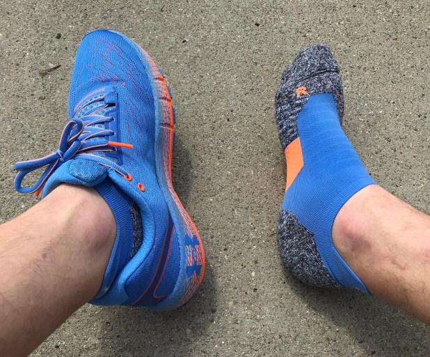 UA HOVR Machina Running Socks